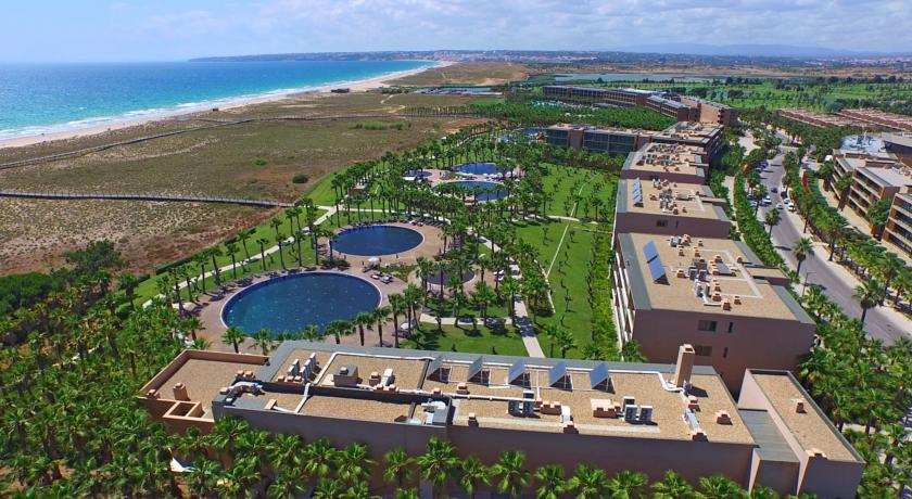 Transfers from Faro Airport to Salgados Dunas Suites