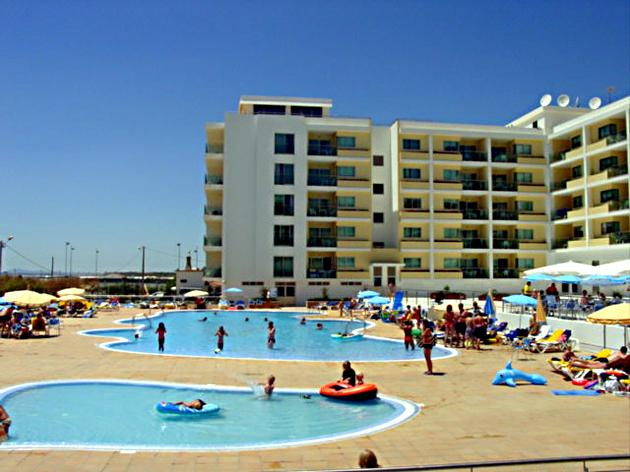Transfers from Faro Airport to Hotel Apartamentos Dunamar