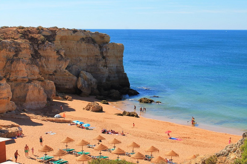 Transfers from Faro Airport to Praia da Coelha