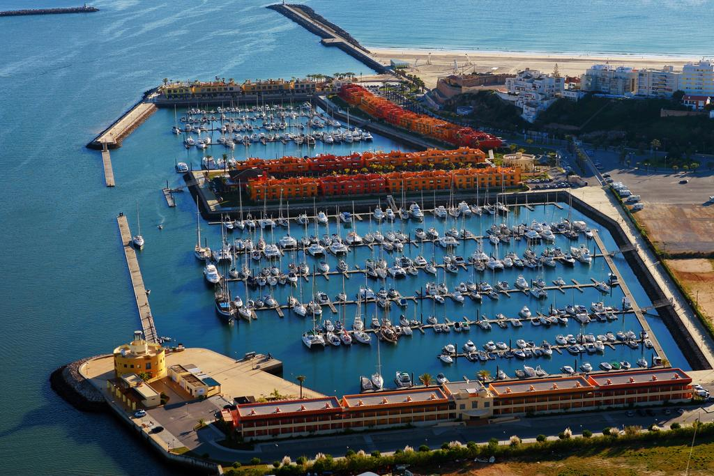 Transfers from Faro Airport to Tivoli Marina Portimão