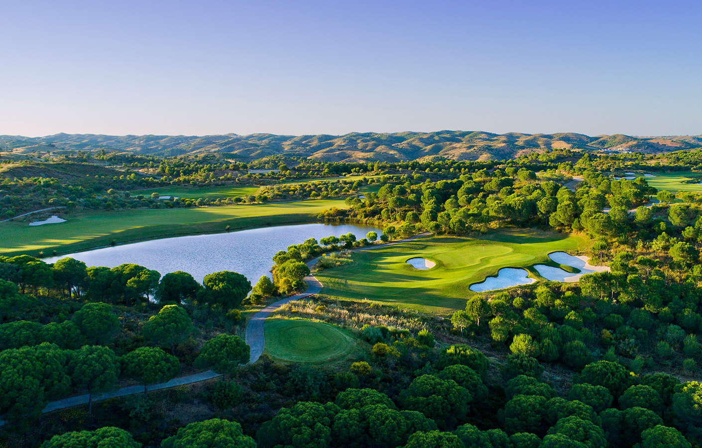 Transfers from Faro Airport to Monte Rei Golf Course