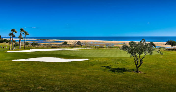 Transfers from Faro Airport to Quinta da Ria Golf Course