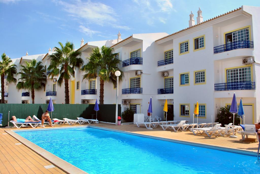 Transfers from Faro Airport to Apartamentos Sereia da Oura