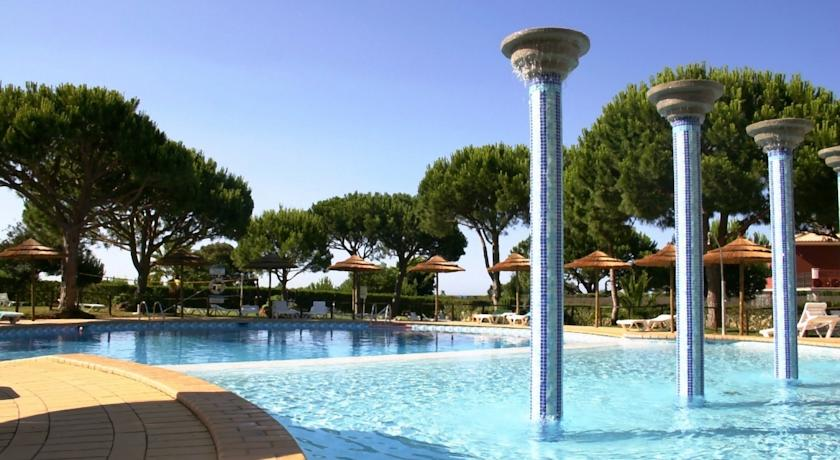 Transfers from Faro Airport to Bicos Beach Apartments al by Albufeira Rental