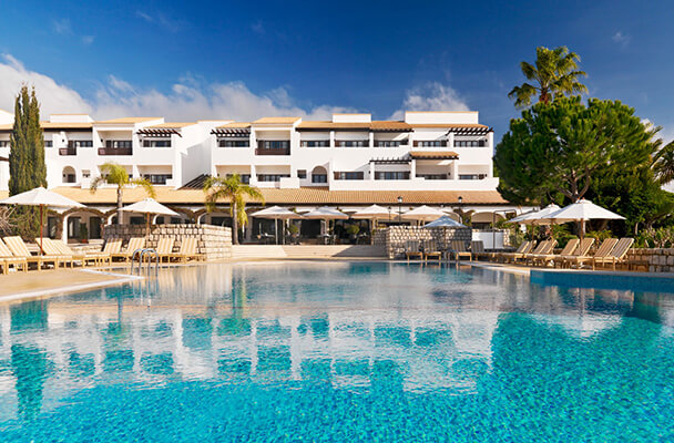 Transfers from Faro Airport to Pine Cliffs Hotel, A Luxury Collection Resort