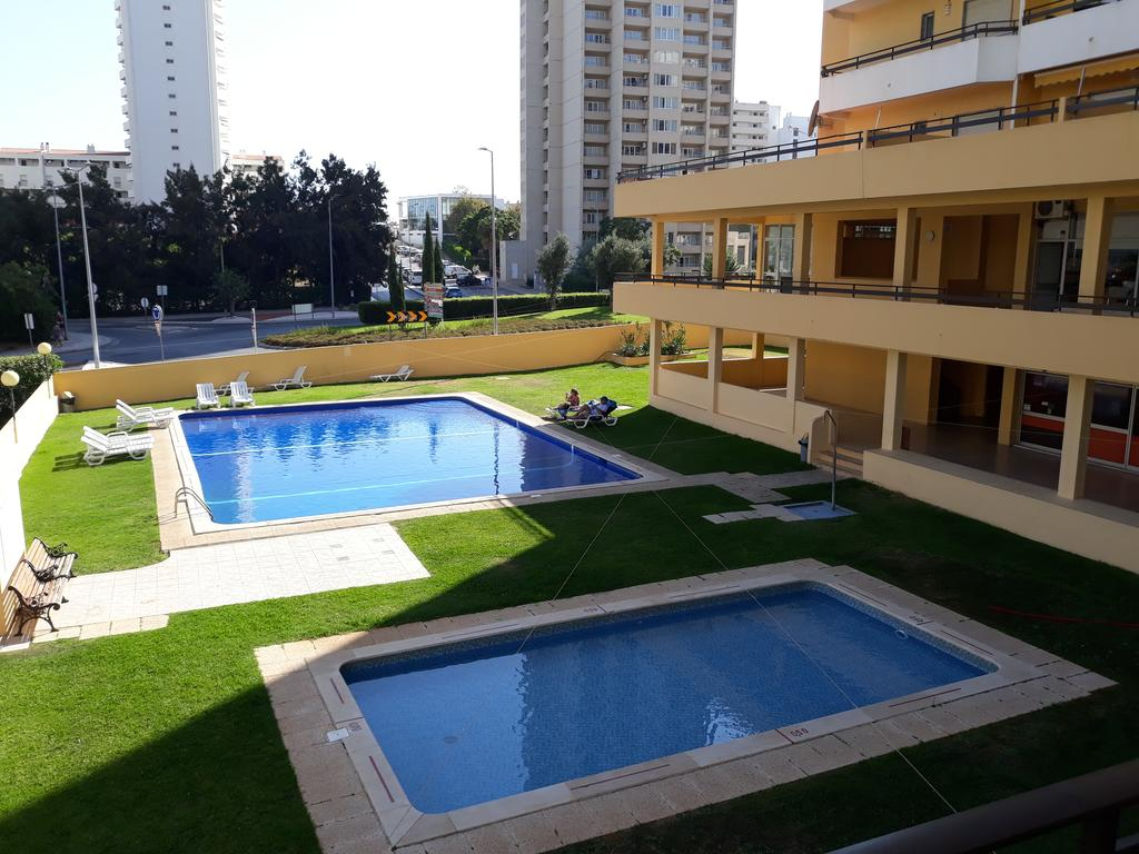 Transfers from Faro Airport to Clube Dos Arcos