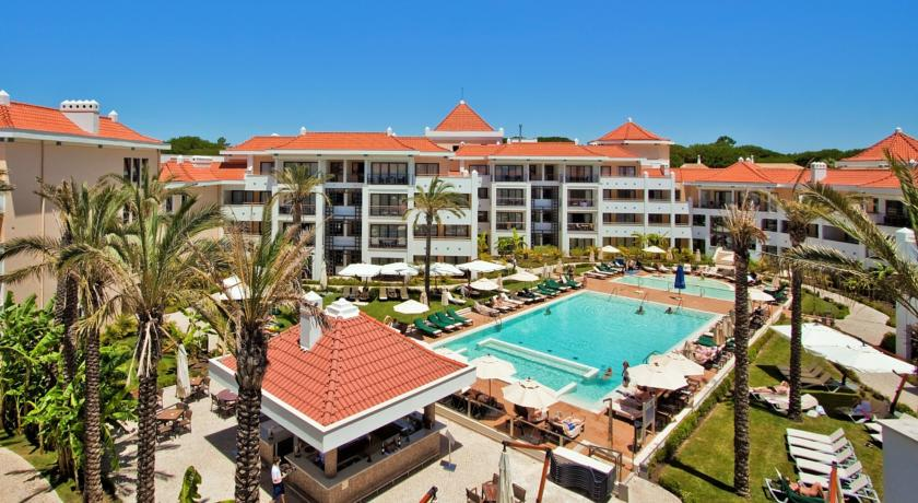 Transfers from Faro Airport to As Cascatas Golf Resort & Spa