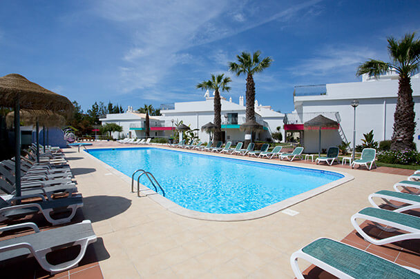 Transfers from Faro Airport to Bayside Salgados Golf & Beach Resort