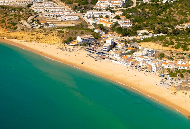 Transfers from Faro Airport to Praia da Salema