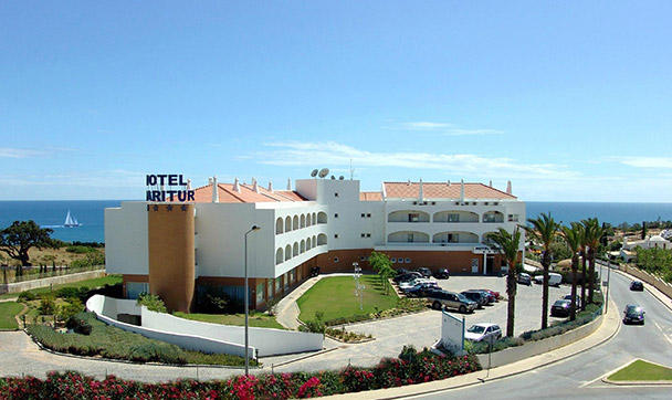 Transfers from Faro Airport to Hotel Maritur