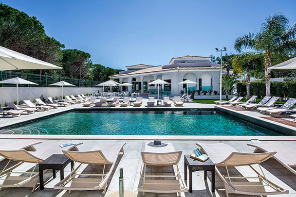 Transfers from Faro Airport to Hotel Magnólia Golf & Wellness Hotel