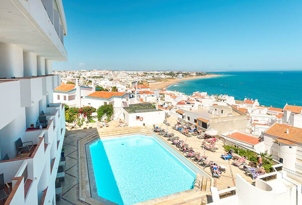 Transfers from Faro Airport to Boa Vista Hotel & Spa