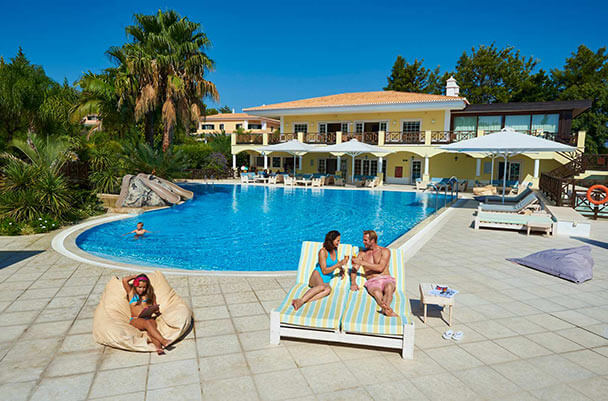 Transfers from Faro Airport to Martinhal Quinta Family Resort