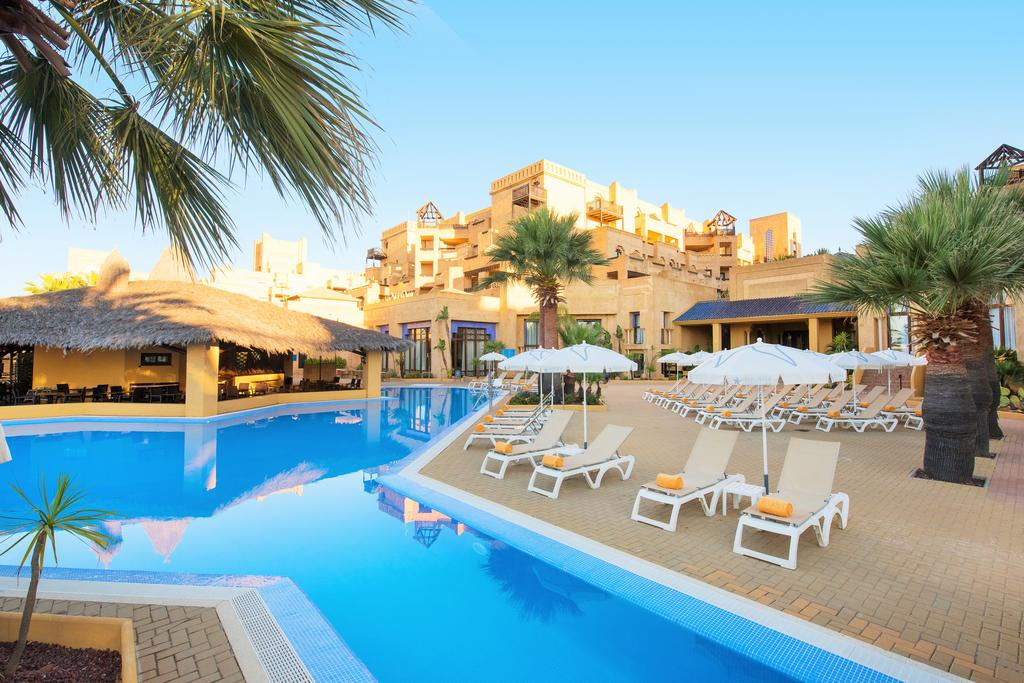 Transfers from Faro Airport to Iberostar Isla Canela Hotel