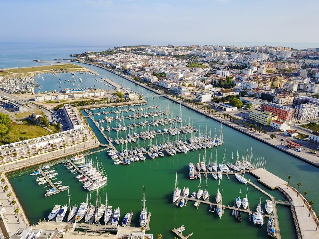 Transfers from Faro Airport to Marina de Lagos