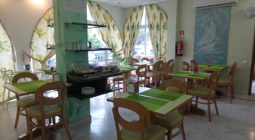Transfers from Faro Airport to Hotel Apartamento A Floresta do Jose