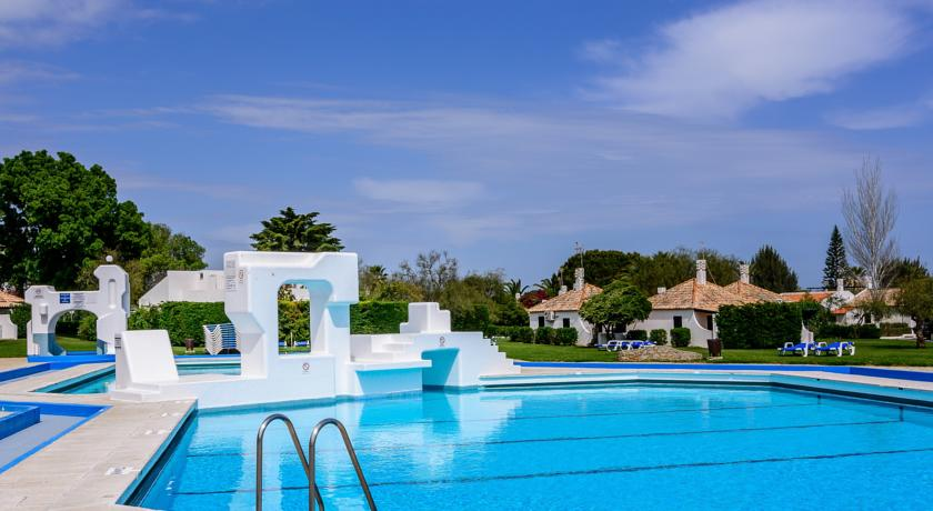 Transfers from Faro Airport to Pedras D'el Rei Villas