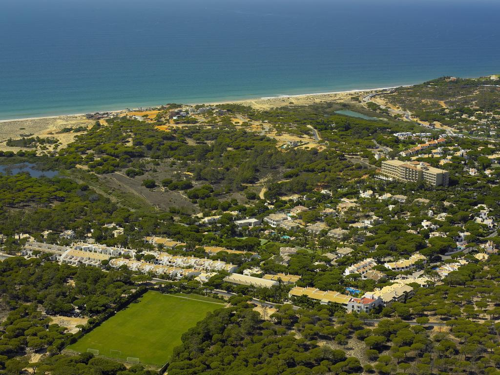Transfers from Faro Airport to Vale Do Garrao Villas