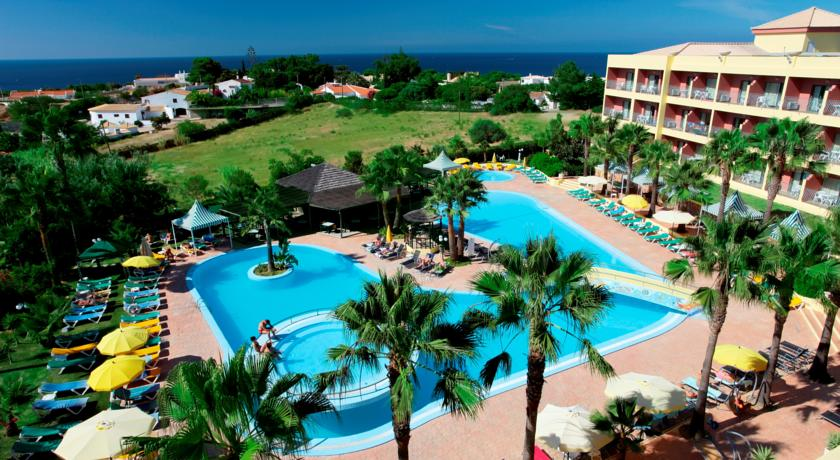 Transfers from Faro Airport to Hotel Baia Grande