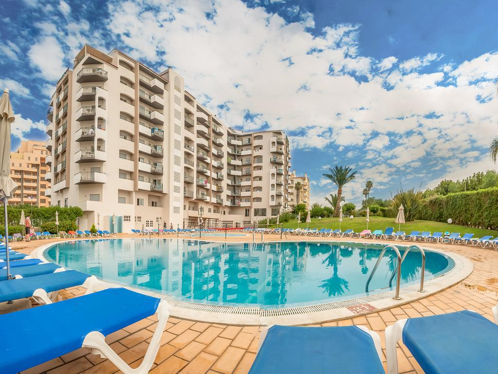 Transfers from Faro Airport to Flor da Rocha Apartments