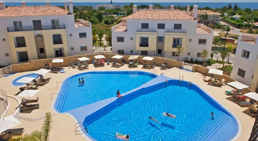 Transfers from Faro Airport to O Pomar Holiday Village